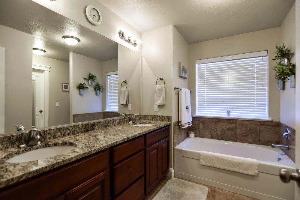 Master-Bath-Edit-Edit.jpg