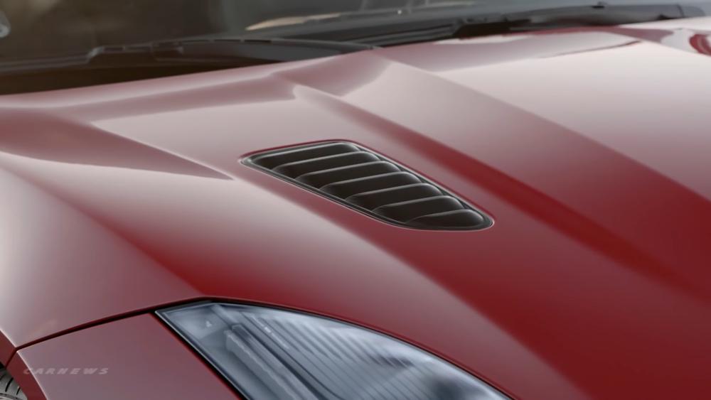 2018-Jaguar-F-TYPE.mp4.00_00_48_24.Still004.png