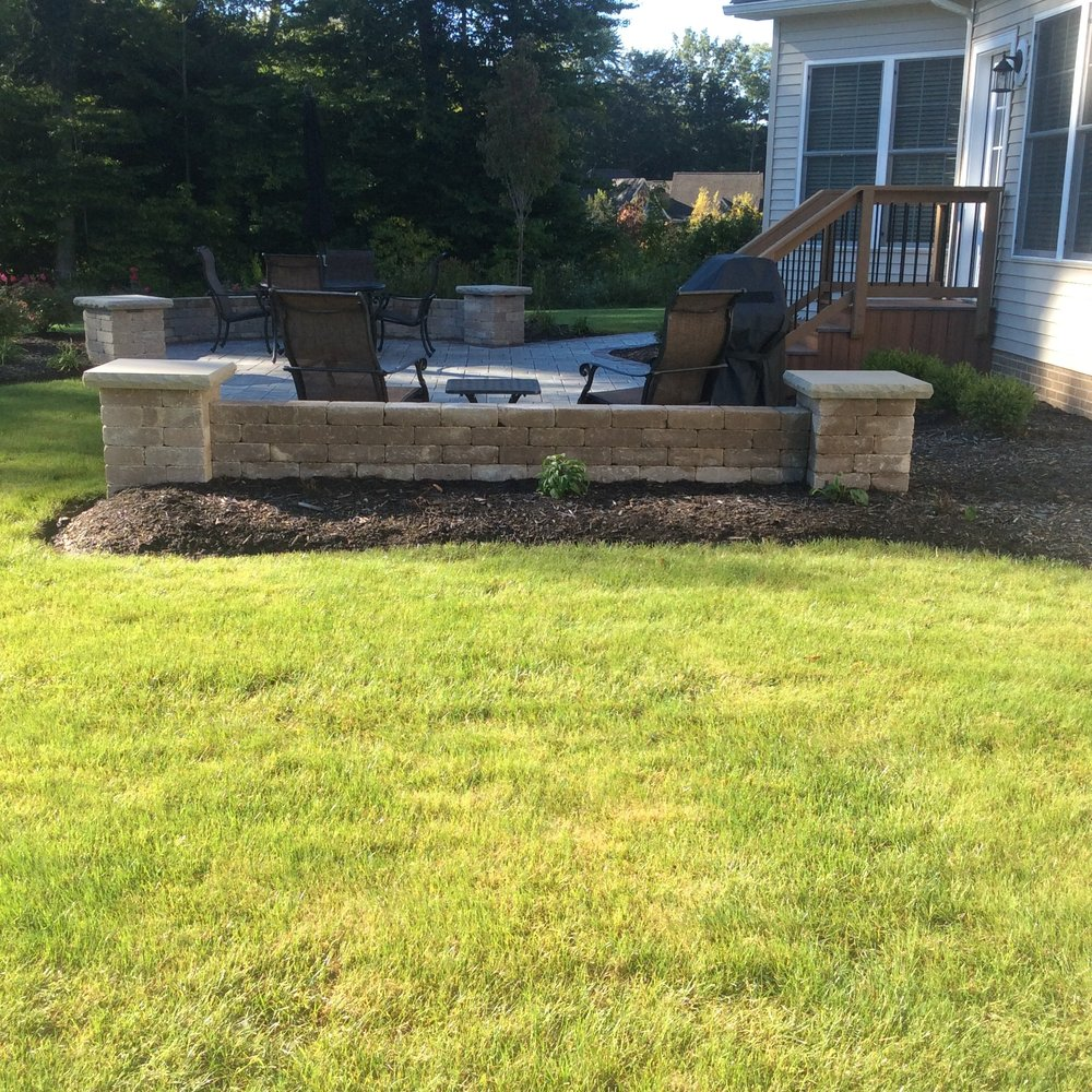 Retaining wall landscape design in Chagrin Falls, Pepper Pike, OH