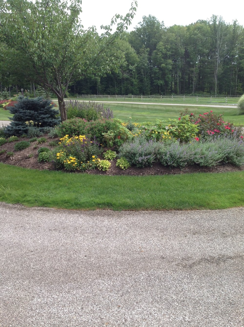Beautiful landscape design with top lawn care in Hunting Valley, OH