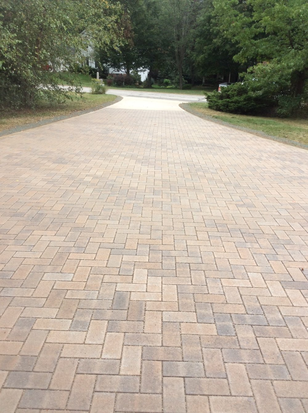Unilock landscaping companies, driveways and patio pavers in Hudson, OH