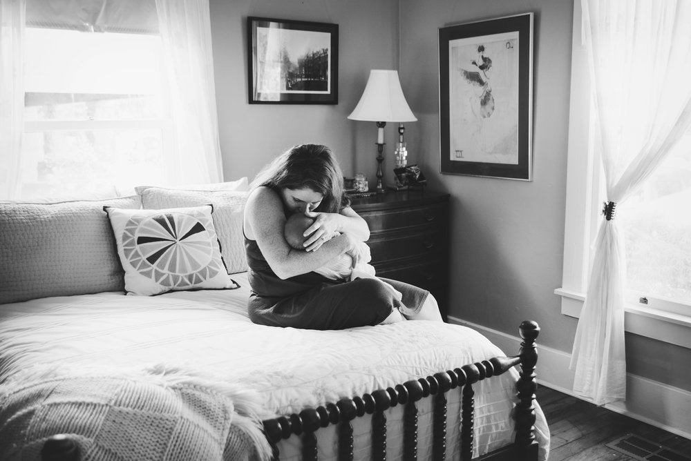 memphis newborn lifestyle photographer-22 bw.jpg