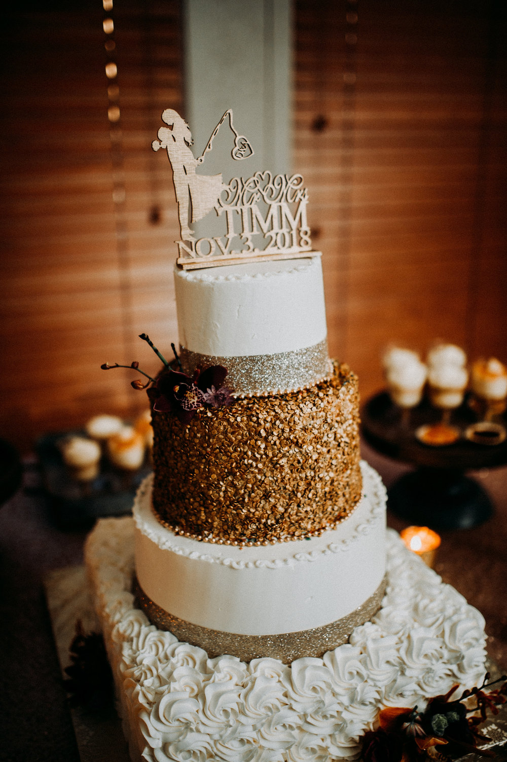 rustic wedding fall colors cake brown.jpg