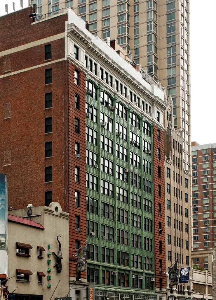 250 W 54th Street - Office - 12,965 sf 8th floor12,965 sf 9th floor