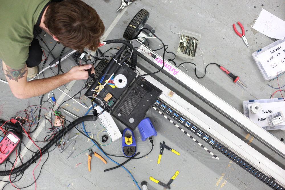 artmatr-robot-printer-painting-engineering-art
