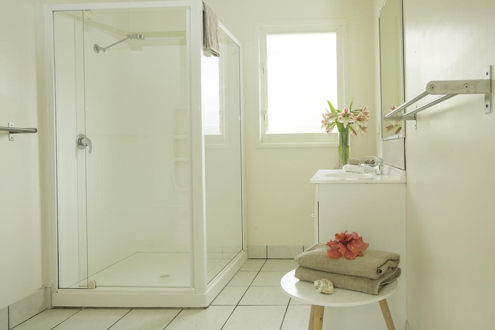 Garden Unit bathroom.jpg