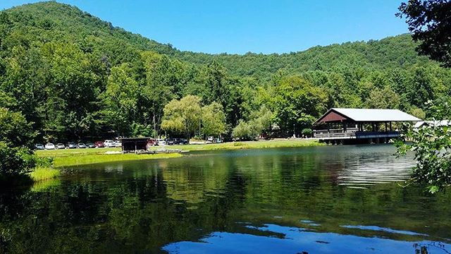 Built by the CCC in the early 1930s, Vogel State Park is the second oldest park in Georgia. Check out Lake Trahlyta, named after a Cherokee maiden buried in the area, while you're there or wander through one of the several hiking trails throughout the park. 🌲  #vogelstatepark #northeastgeorgia #georgia #exploregeorgia #atlantatrails #wandernorthgeorgia #wander #laketrahlyta #appalachia #mountainlife #blueridgemountains #blueridgebones #getoutside #hikethat #visitblairsville #chattahoocheenationalforest