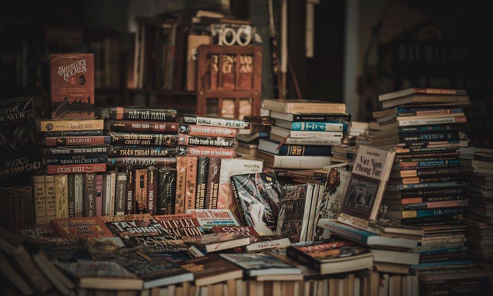 book-bindings-bookcase-books-694740.jpg