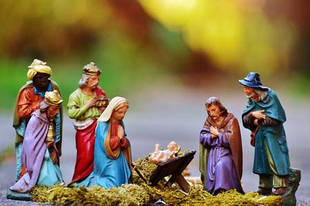 Christmas - nativity scene - 450.jpg