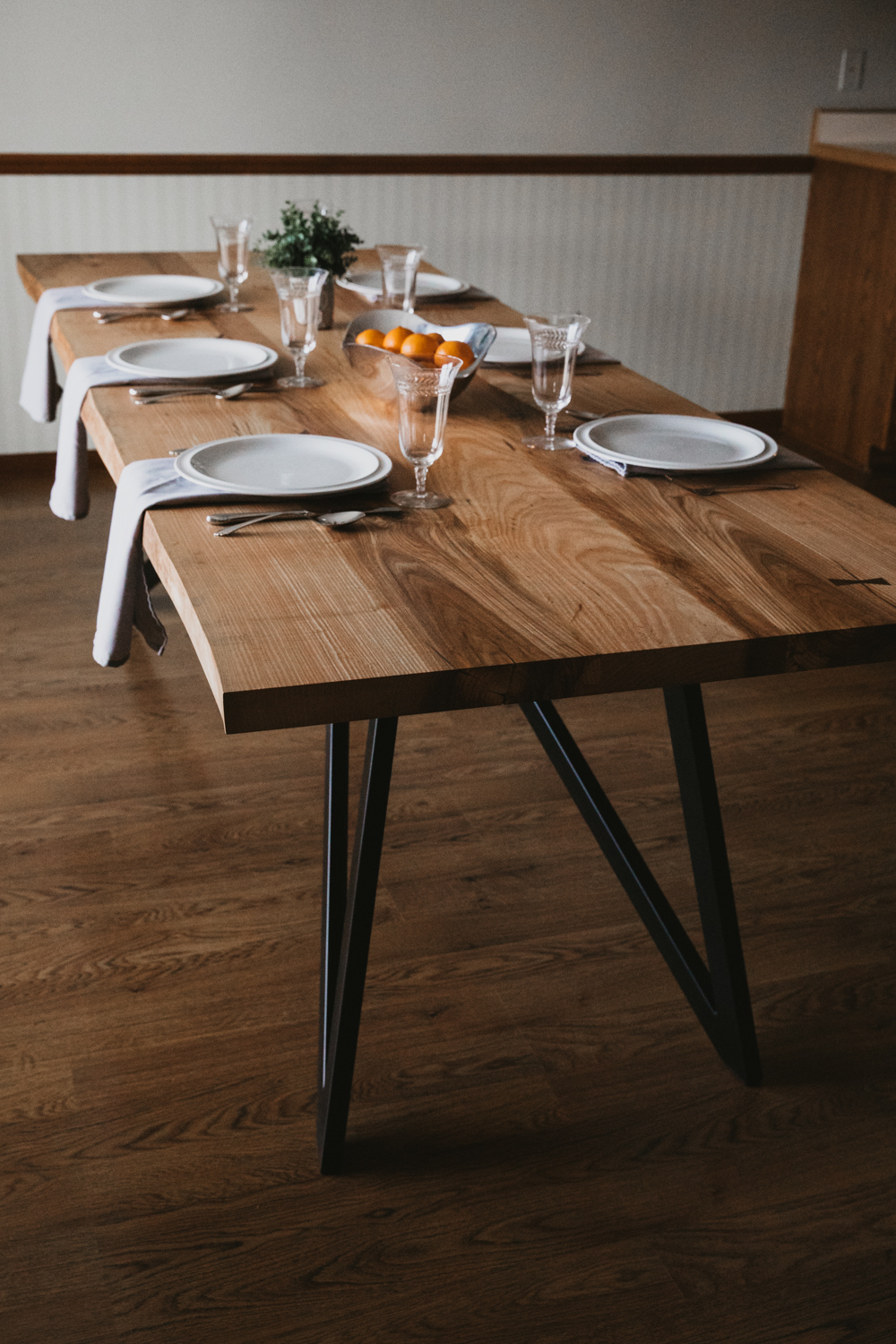 BIGTOOTHCO_TheNorth_Live_edge_dining_table_ash (25 of 53).jpg