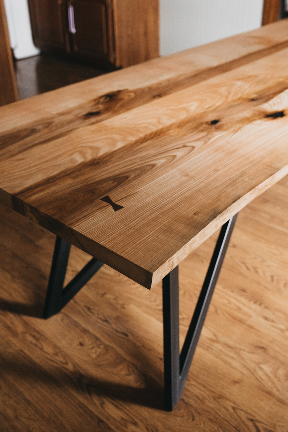 BIGTOOTHCO_TheNorth_Live_edge_dining_table_ash (5 of 53).jpg