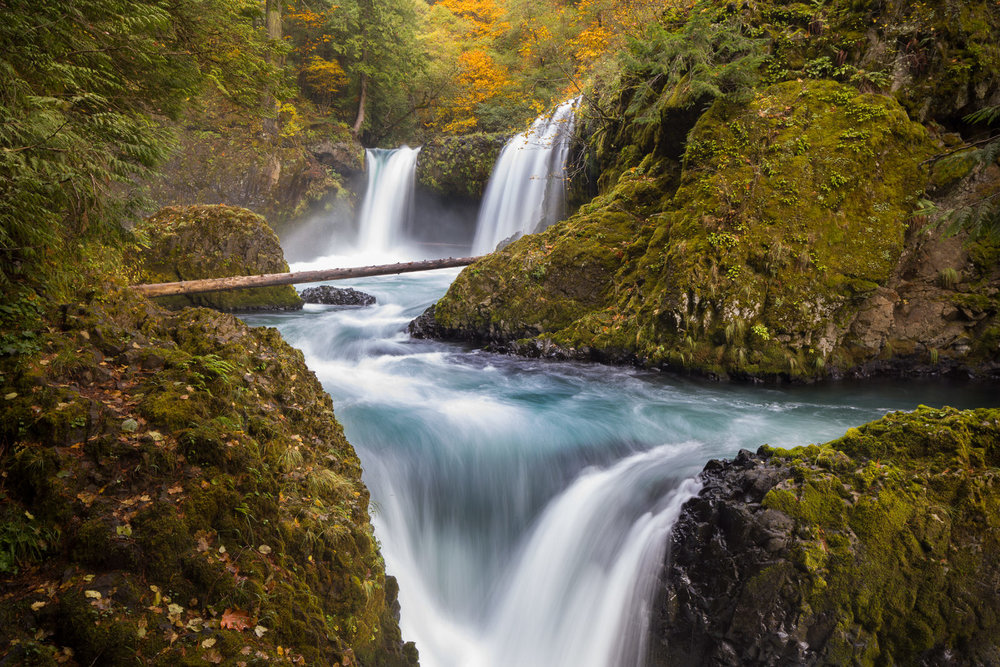 Fall colors at Spirit Falls (horizontal)