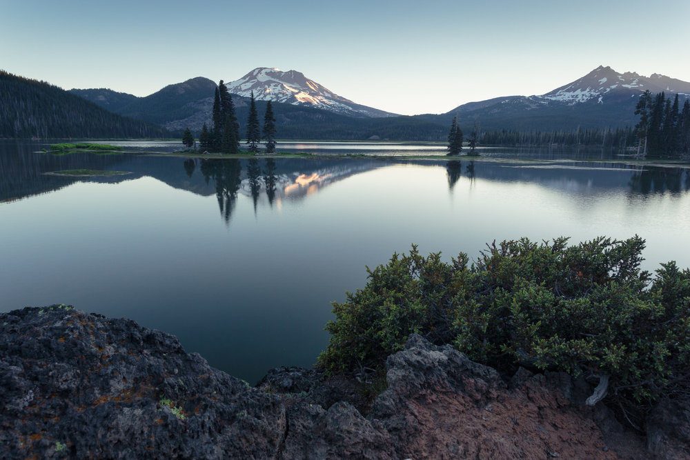 First light at Sparks Lake near Bend, Oregon