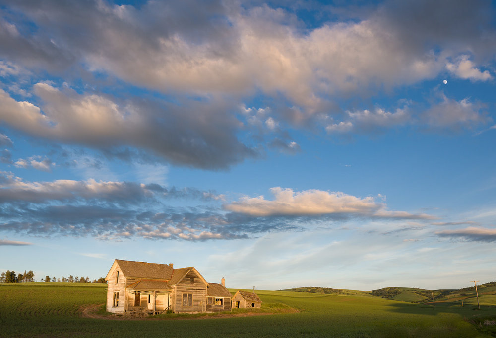 Abandoned farmhouse in the Palouse