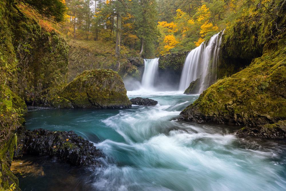 Spirit Falls in the Fall
