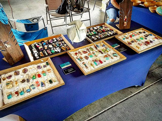 Sunday Sell Day at the Portland Saturday Market! #pdxsatmkt #smallbusiness #handmade #woodworking #pendant #jewelry #resinjewelry #resin #portland #workinghard #resinart #jamesparkerdesigns #giftideas #oregon