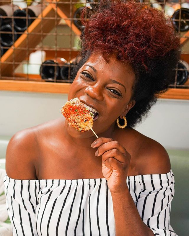 Doesn't Danielle @followmygut look lovely devouring this elote corn from @atmomed ? We love shooting our clients engaging with food in their natural element. Danielle is a passionate LA food blogger with all the inside info on the greatest eats in this big city and beyond 💥 Check out her awesome blog at www.followmygut.com 🍴