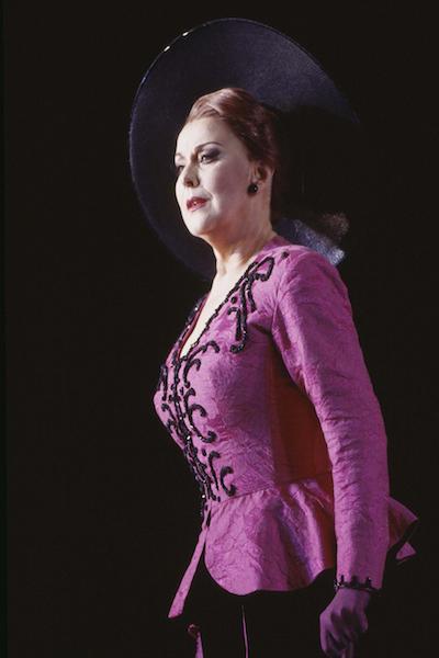 5.-yvonne-kenny-am---soprano.jpg