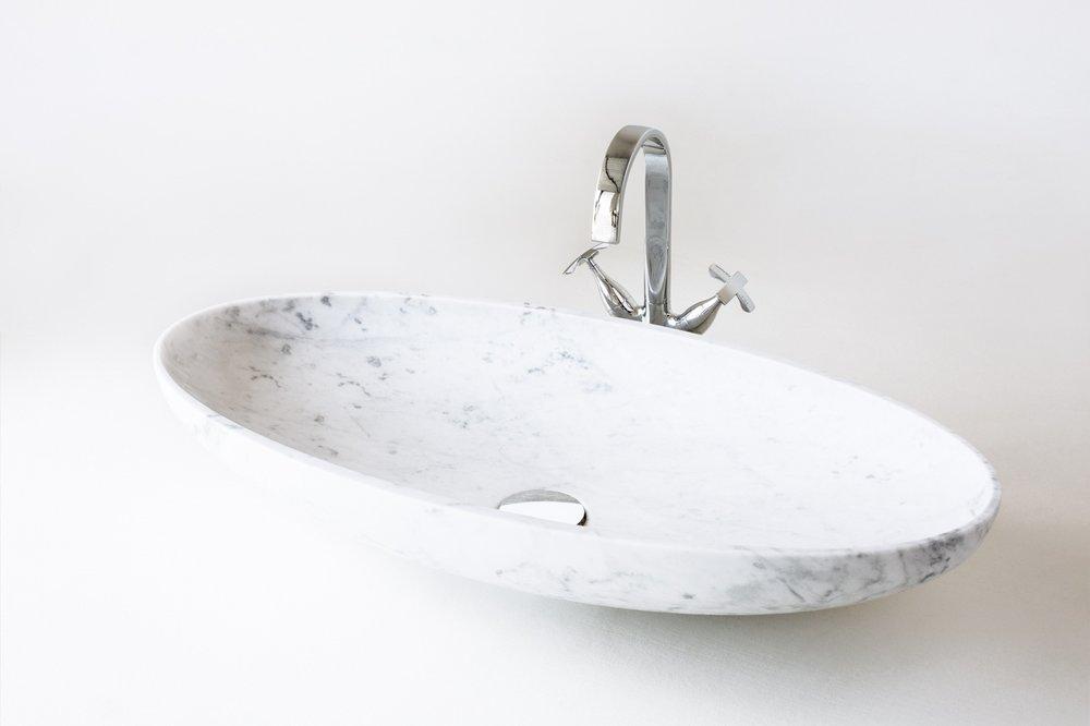Lavabo modello ellittico in bianco di Carrara finitura satinato