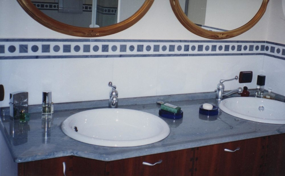Rivestimento bagno in marmo Azul Macaubas