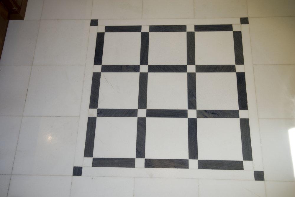 Composizione pavimento Bianco Thassos e Azul Macaubas