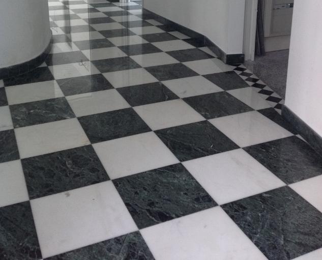Pavimento in marmo Bianco P e Verde Gressoney