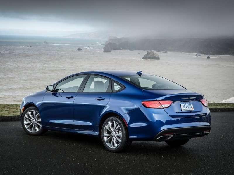 2015-Chrysler-200-review08.jpg