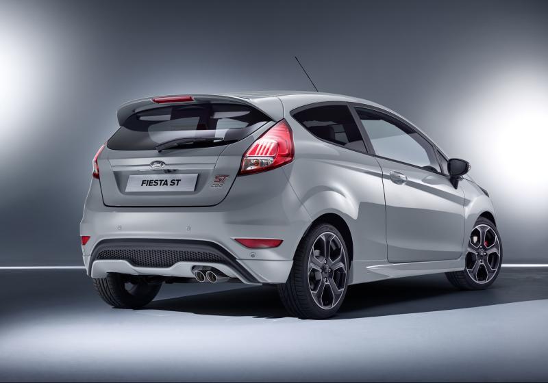 2017-Ford-Fiesta-ST200-side.jpg
