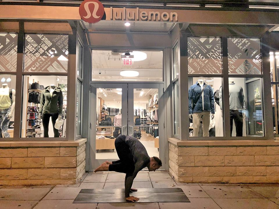 lululemon-14th-st-free-yoga.jpg