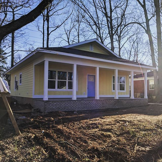 Our Druid Hills #SLH at 1301 Norris Ave is moving a long nicely!  Should be done soon!  #sigmonbridwell #smallluxuryhomes #smallluxuryhome #tinyhomes #tinyhouse #clt #cltrealestate #cltrealtor #charlottenc #charlotterealestate #charlotterealtors #newconstruction