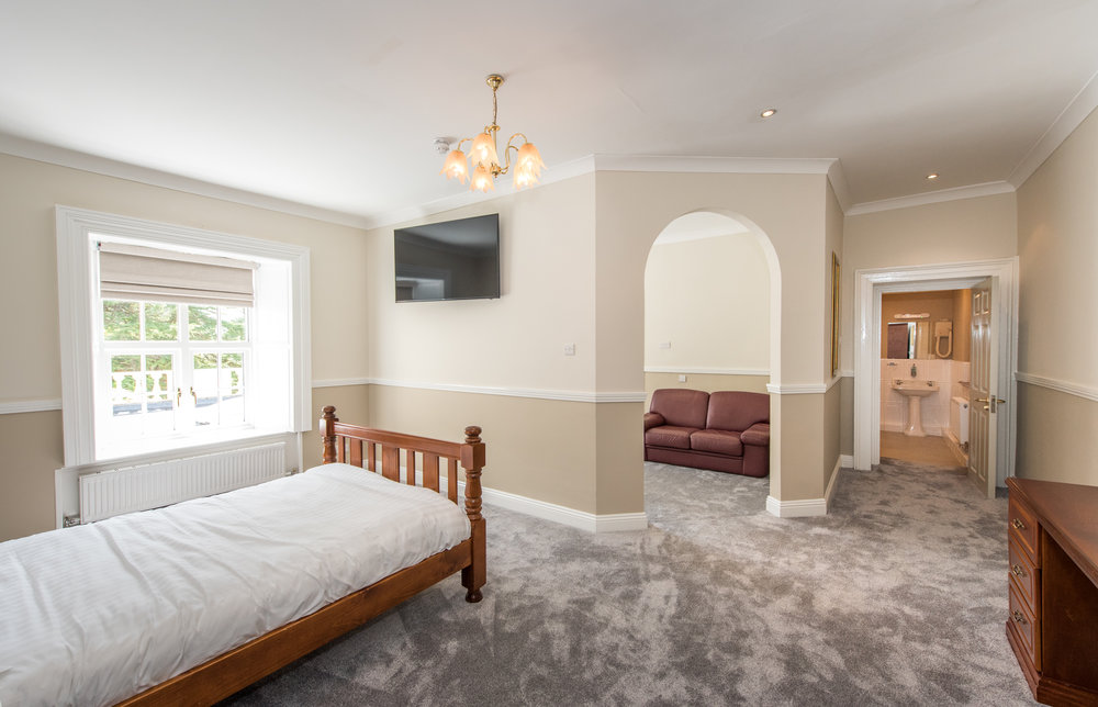 Bedrooms & Suites -