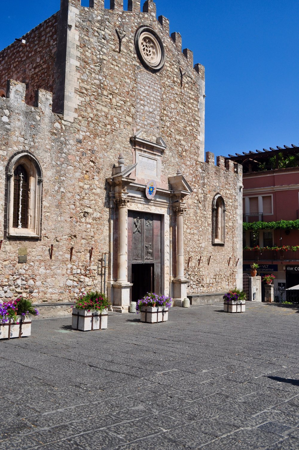 Top 5 Free Things to See in Taormina - A Happy Passport #taormina #italy #travel