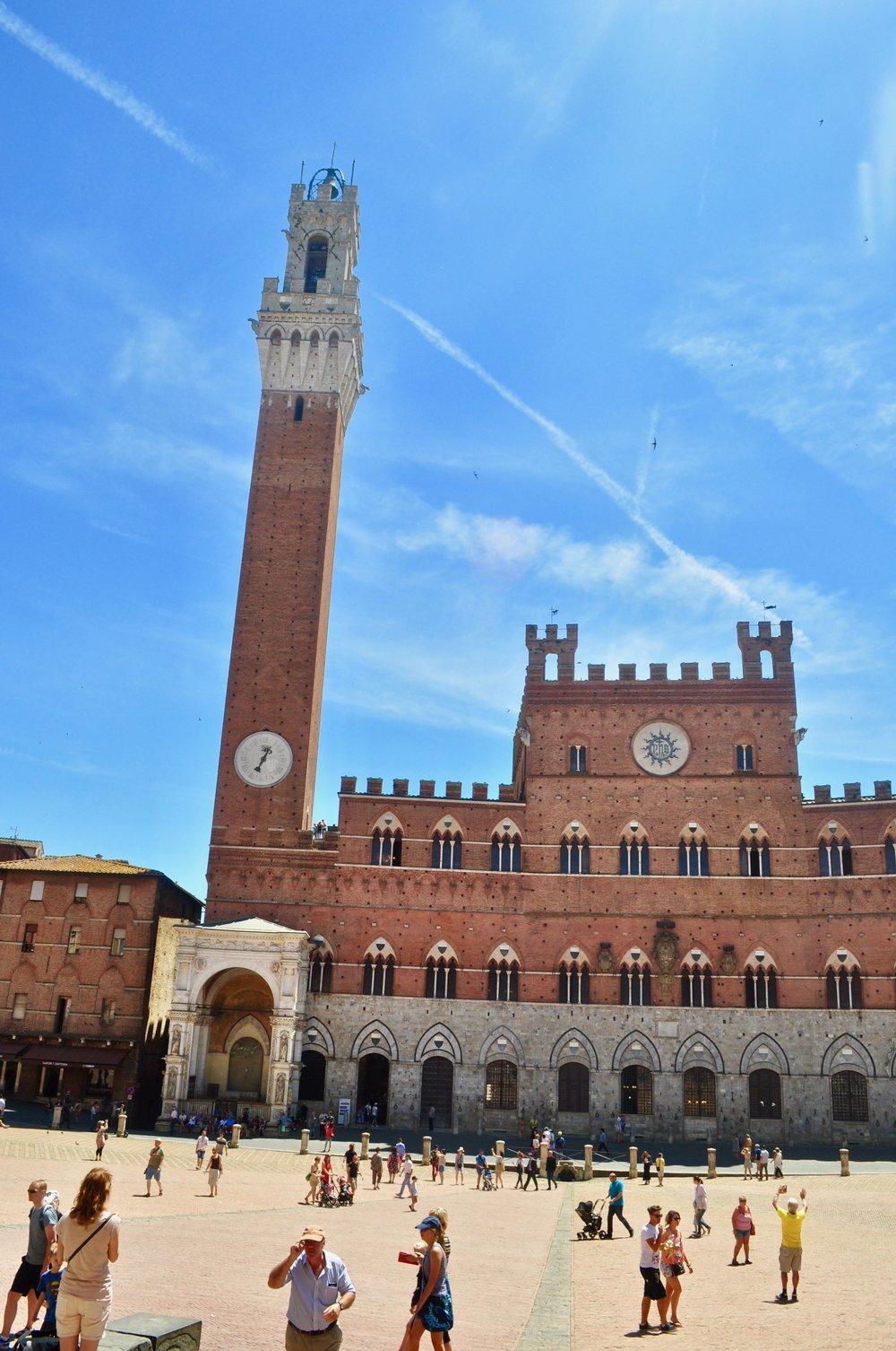 Piazza del Campo and Torre del Mangia - Siena, Italy - A Happy Passport #siena #italy #torredelmangia #piazzadelcampo