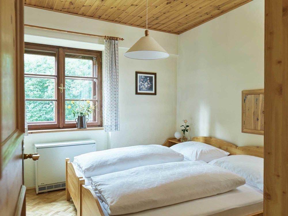 apartment-gartenlaube-doppelbett.jpg