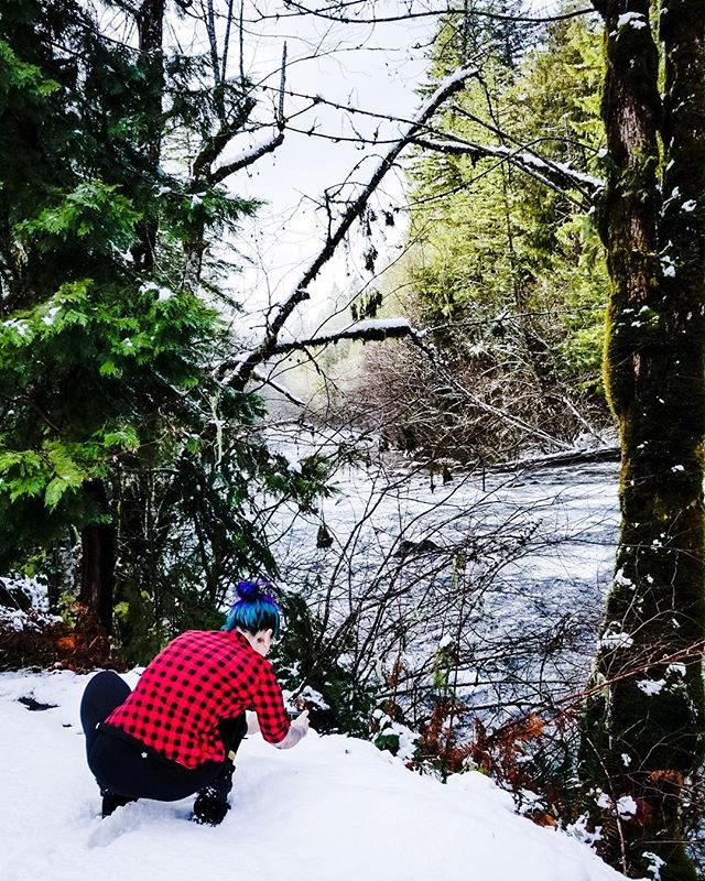 Droppin' it low for those angle! Swipe to see the shot! 🍑📸❄️ • • • • • #fitcannabisgirl #photography #photographer #oregon #explore #exploreor #oregonphotographer #sights #snow #snowday #hotsprings #scenery #beauty #smile #dropitlow #plaid #lumberjack #minnesotagirl #imisssnow #nature #mountain #river #frozen #wanderlust #frost #cannabis #art #mermaidhair #trees