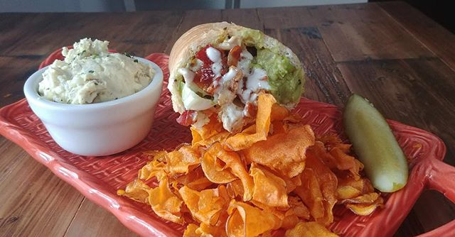 F R I D A Y  B R A I Z I T O  G A M E 💪💪💪 Come on out today to try our BRAND NEW special. ✨The Jolly Ranch✨  Made with: Grilled Marinated Chicken, Bacon, House made Ranch, Local Ropp Swiss & Guacamole. 😋🥓🍴 #eatlocal #supportsmallbusiness #chickenbaconranch #friyay