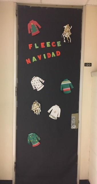 1. Fleece Navidad