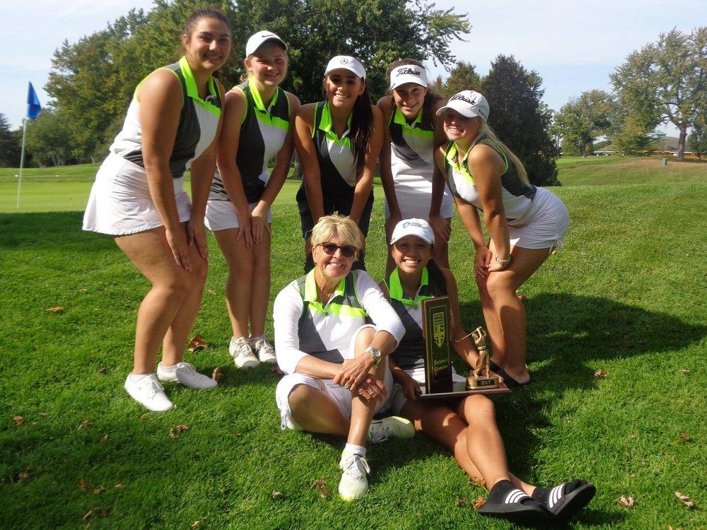 Lutheran_North_Macomb_Golf_Coach_Lori_Gill_Champions