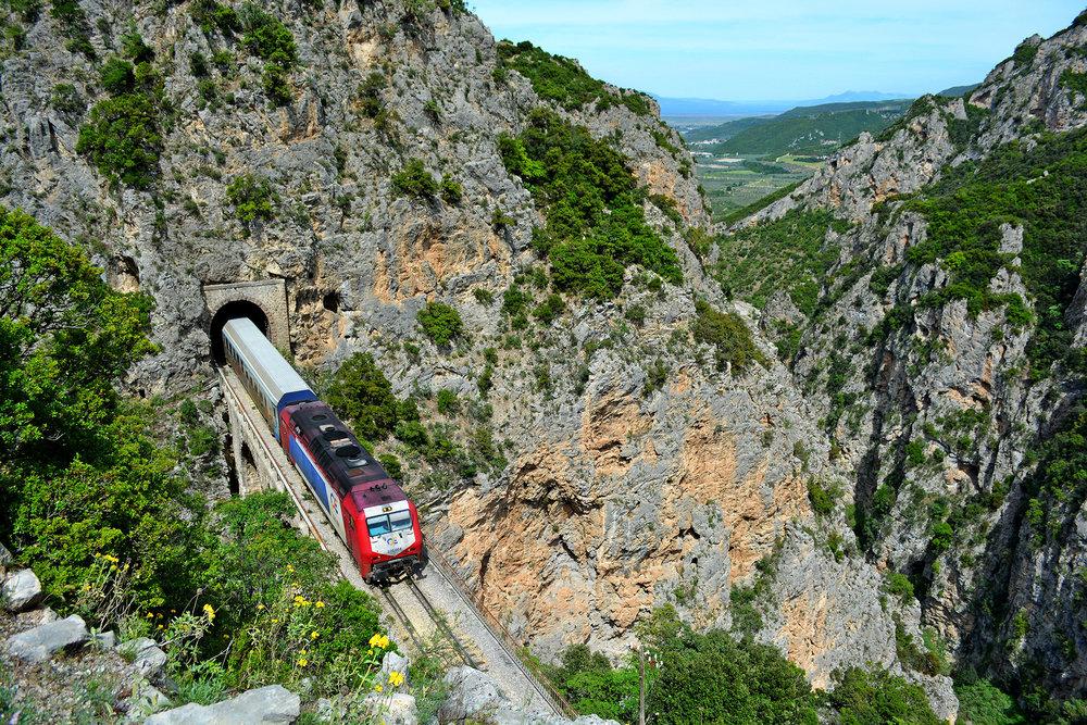 train-12.jpg
