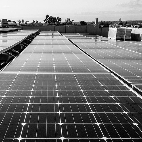 Commercial SOLAR LEASE   - Tax rules allow for the utilization of the 30% federal tax credit when leasing to a for-profit organization. Therefore, we offer lease financing to a range of business customers. A lease offers the simplest approach to financing and provides the most cost effective path to ownership.