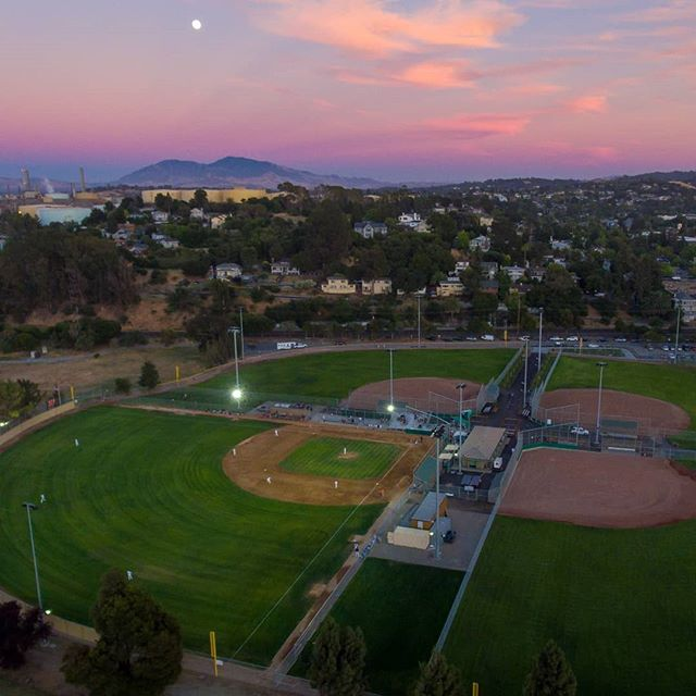 Hey Clippers fans! The final two home games of 2018 are this Thursday and Friday, August 30th and 31st. Come out to support your hometown team, as the Clippers say goodbye to Martinez - until next year!  Both games against the Pittsburg Diamonds begin at 6:30 p.m. - on Thursday, Congressman Mike Thompson will throw out the first pitch, and Friday is Fan Appreciation Night at the ballpark.  Tickets available now at mtzclippers.com/tickets - let's cheer on the Clippers as they finish out their very first season!