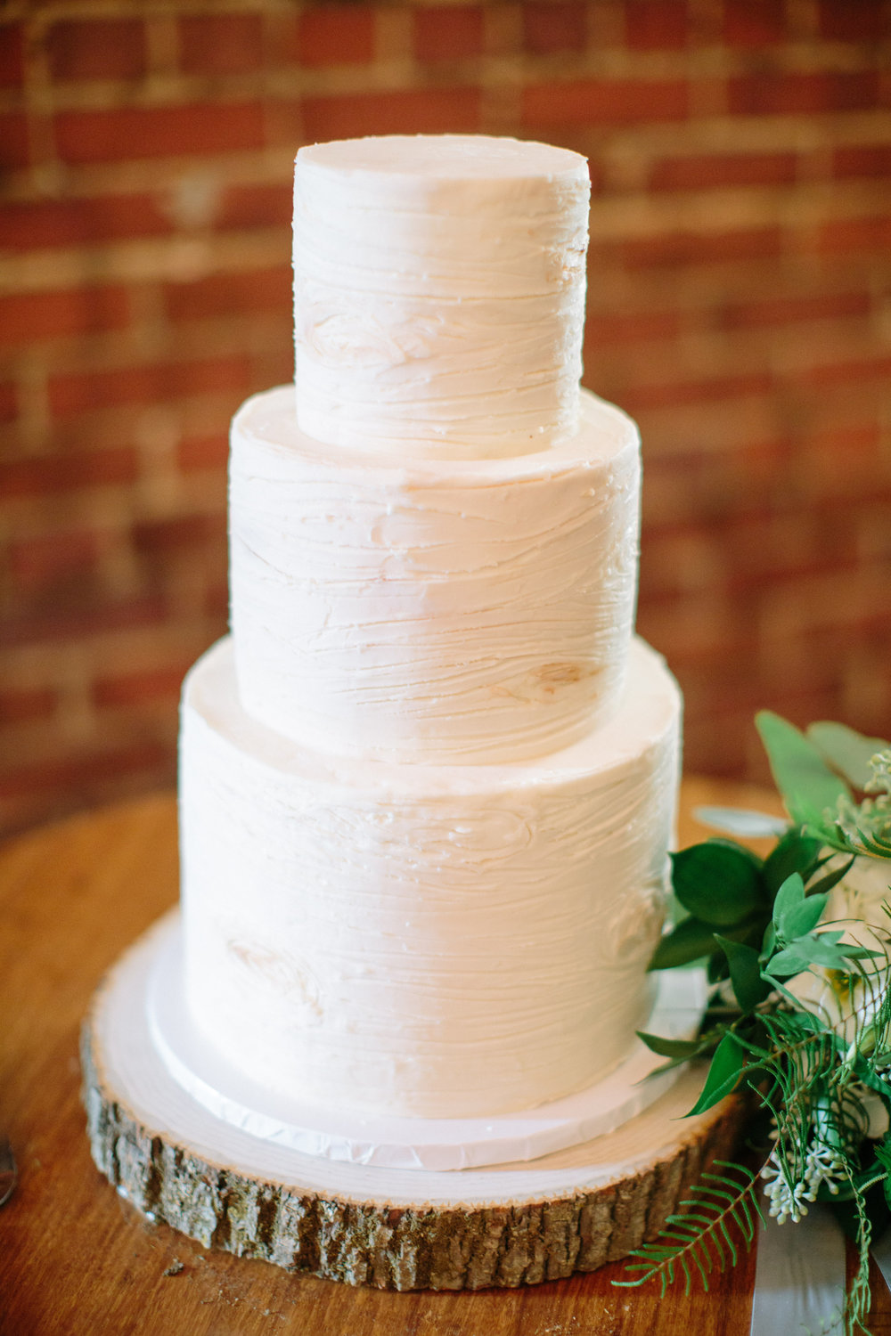 Great-Room_wedding-cake.jpg