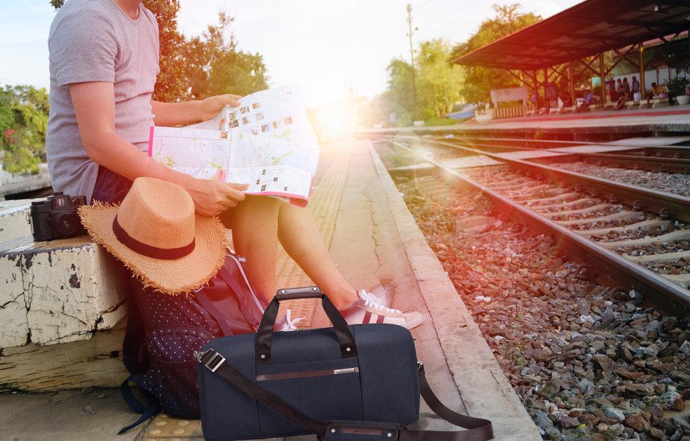 backpack-bag-blur-briggs_riley_kinzie_street_totebag.jpg