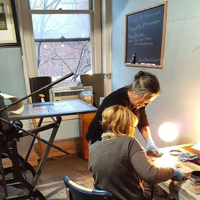 Thank you to everyone who attending Pegboard Press' Etching and Aquatint class in association with @artsupplydepo  last weekend!