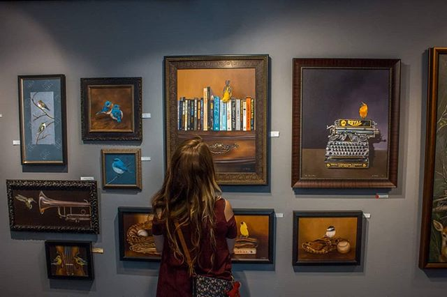 We stopped by the @celebrationoffineart to snap some photos of @barbara.rudolph.art's beautiful realism paintings. Blog post coming soon! 🎨🌵👉 In the mean time, only a handful of days left to visit this amazing show! 100 artists from around the world gather in Scottsdale, AZ for a fine art display like you've never seen before. 🙌 Tap on over to Barbara's feed to see more! #sahuaromedia #barbararudolphfineart
