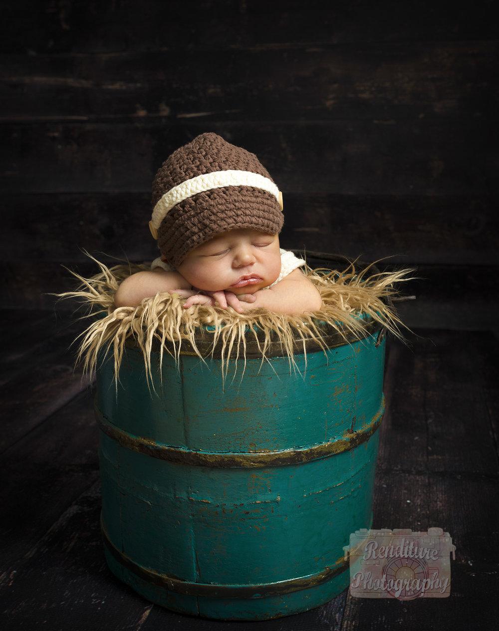 Saskatoon-Newborn-Family-Renditure-Baby-Photography-Photographer-Maternity-Pregnancy-Saskatchewan-342 FBR.jpg