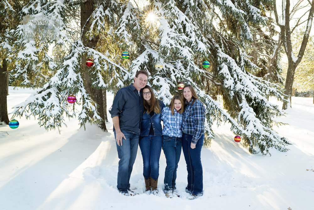 Saskatoon-Newborn-Family-Renditure-Mini-Session-Photography-Photographer-Christmas-Holiday-Saskatchewan-463 FBR.jpg