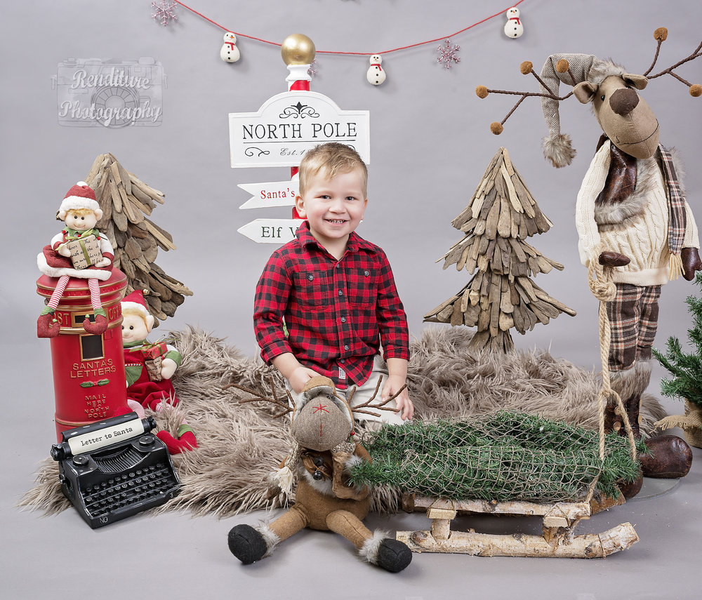 Saskatoon-Newborn-Family-Renditure-Mini-Session-Photography-Photographer-Christmas-Holiday-Saskatchewan-481FBR.jpg
