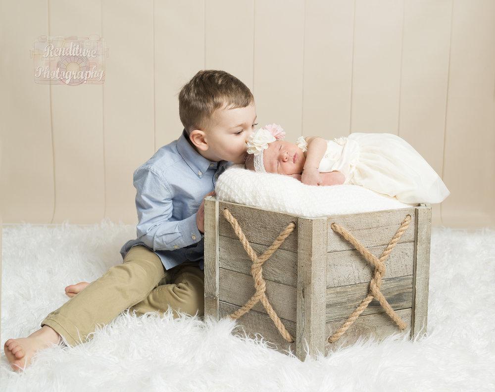 Saskatoon-Newborn-Family-Renditure-Photography-Photographer-Maternity-Pregnancy-Saskatchewan-600FBR.jpg