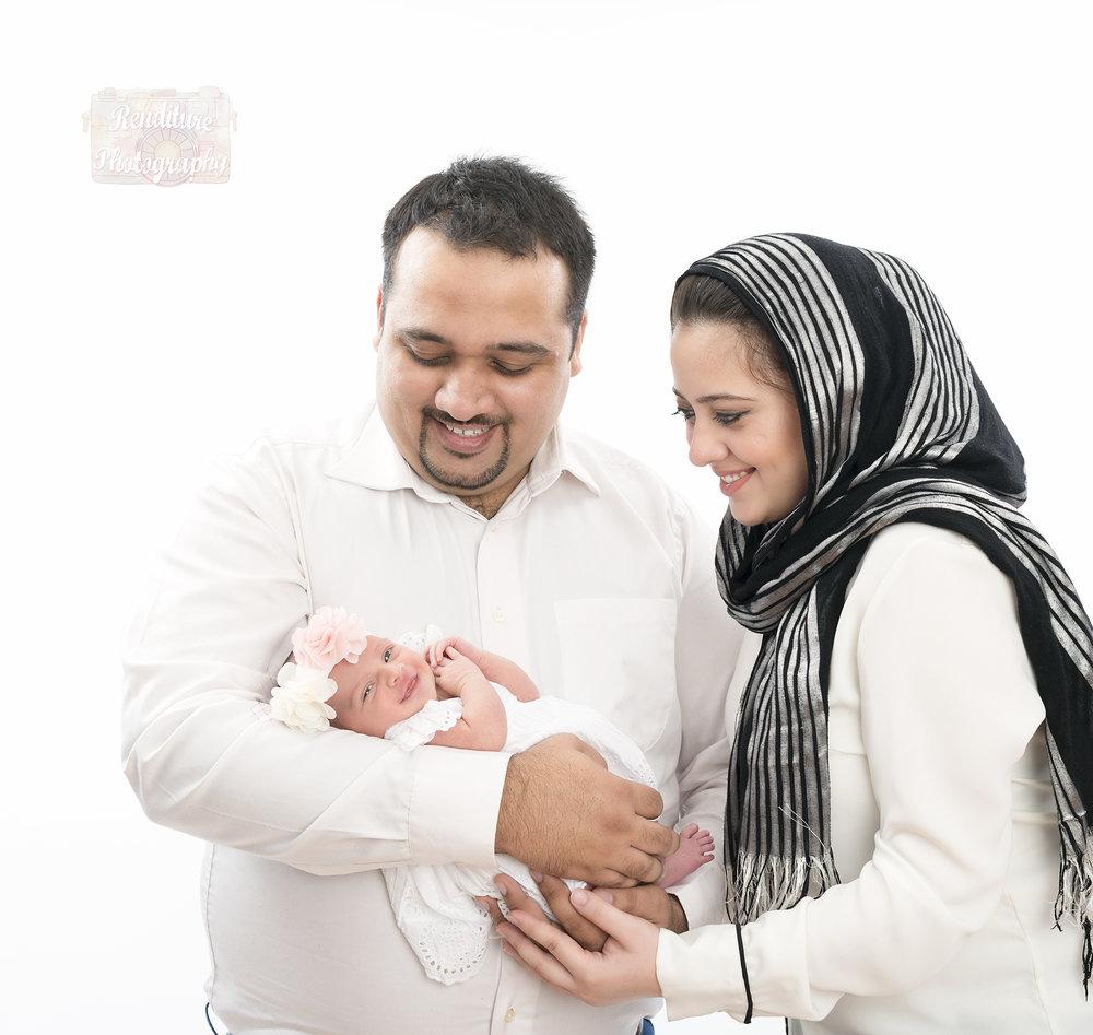 Saskatoon-Newborn-Baby-Renditure-Photography-Photographer-Maternity-Pregnancy-Saskatchewan-527FBR.jpg